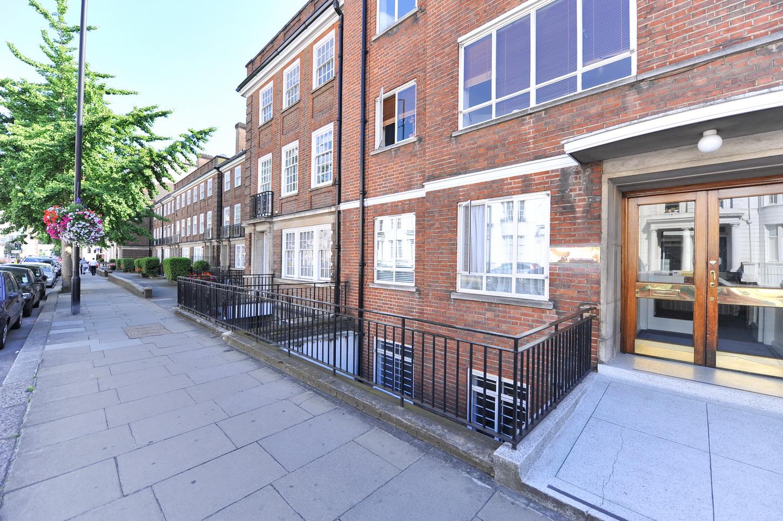 Students let rr properties ltd for 14 devonshire terrace lancaster gate